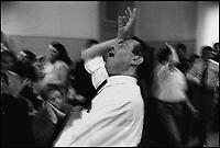 """La Stravaganza, compagnia teatrale nata a Milano, diretta dallo psichiatra e musicista Denis Gaita, dipende dal Dipartimento Salute Mentale. Specializzata nella realizzazione di opere liriche """"folli"""", come """"La Norma Traviata"""", """"Una noce poco fà"""", """" L'Aida da tre soldi"""". Vi fanno parte persone con handicap psico fisico"""