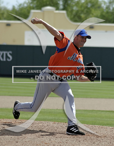 March 27, 2004:  Pitcher Braden Looper of the New York Mets organization during Spring Training at Tradition Field in St. Lucie, FL.  Photo by:  Mike Janes/Four Seam Images
