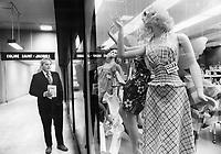 underground shopping in Montréal, Québec<br /> <br /> 1973<br /> <br /> PHOTO :  Dick Darrell - Toronto Star Archives - AQP