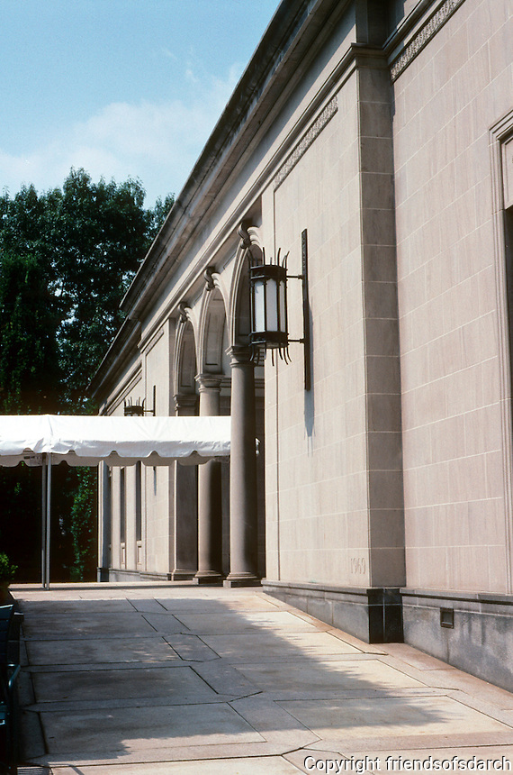 Pittsburgh: The Frick Art Museum. Houses Helen Clay Frick's Art Collection. Photo 2001.