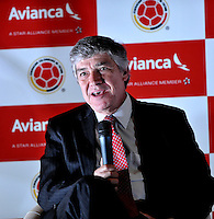 BOGOTA – COLOMBIA – 23-04-2014: Fabio Villegas, Presidente de Avianca, durante la firma de la alianza  para transportar a la Selección Colombia de fútbol a la Copa Mundial de la FIFA Brasil 2014.  / Fabio Villegas, President of Avianca, during the signing of the alliance to transport Colombia soccer team to the World Cup Brazil 2014. / Photo: VizzorImage / Luis Ramirez / Staff.