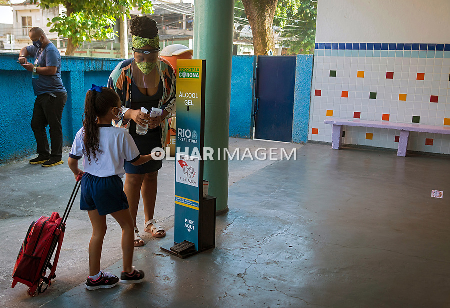 Retomada das aulas presenciais na Rede Municipal de Ensino. Escola Municipal Suíça. Bairro Penha. Rio de Janeiro. 2021. Foto Luciana Whitaker.