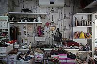 Une boutique de chaussures à Adiyaman.