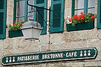 Europe/France/Bretagne/29/Finistère/ Concarneau: Détail façade d'une Pâtisserie Café de la Ville Close