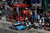 2017 NASCAR Cup - Daytona 500<br /> Daytona International Speedway, Daytona, FL USA<br /> Sunday 26 February 2017<br /> D J Kennington, pit stop<br /> World Copyright: Michael L. Levitt/LAT Images<br /> ref: Digital Image levitt-0217-D500_45296