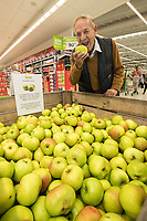 Paul Hogg of West Bridgford picks his Bramley apple