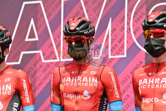 Damiano Caruso (ITA) and Bahrain Victorious at sign on before the start of Stage 19 of the 2021 Giro d'Italia, running 176km from Abbiategrasso to Alpe Di Mera (Valsesia), Italy. 28th May 2021.  <br /> Picture: LaPresse/Gian Mattia D'Alberto   Cyclefile<br /> <br /> All photos usage must carry mandatory copyright credit (© Cyclefile   LaPresse/Gian Mattia D'Alberto)
