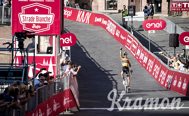Wout Van Aert (BEL/Jumbo-Visma) solo's into the (largely empty) Piazza Del Campo in Siena<br /> <br /> 14th Strade Bianche 2020<br /> Siena > Siena: 184km (ITALY)<br /> <br /> delayed 2020 (summer!) edition because of the Covid19 pandemic > 1st post-Covid19 World Tour race after all races worldwide were cancelled in march 2020 by the UCI