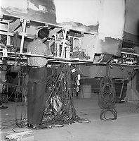 construction-des-wagons-de-mtro--la-canadian-vickers---29-avril-1965