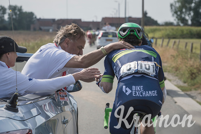 Michael Matthews (AUS/ORICA-BikeExchange) stops by the race doctor to get some medical assistance <br /> <br /> 12th Eneco Tour 2016 (UCI World Tour)<br /> Stage 7: Bornem › Geraardsbergen (198km)