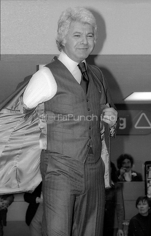 Dick Shawn 1977<br /> Photo By Adam Scull/PHOTOlink/MediaPunch