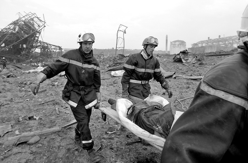 AZF TOLOUSE, Chemical factory explosion, the explosion caused 30 death and thousands of wounded. Around 40.000 people were made homeless for a few days. Photo: Ander Gillenea
