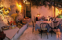 Europe/Italie/La Pouille/Ostuni: Terrasse de la taverna Della Geliosa