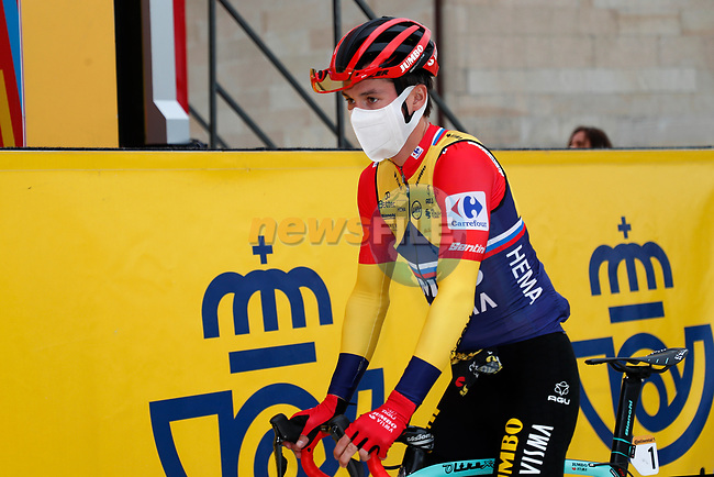 Race leader Primoz Poglic (SLO) Team Jumbo-Visma at sign on before the start of Stage 15 of the Vuelta Espana 2020, running 230.8km from Mos to Puebla de Sanabria, Spain. 5th November 2020. <br /> Picture: Luis Angel Gomez/PhotoSportGomez | Cyclefile<br /> <br /> All photos usage must carry mandatory copyright credit (© Cyclefile | Luis Angel Gomez/PhotoSportGomez)