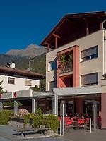 Café Überbacher am Kirchplatz in Algund bei Meran, Region Südtirol-BozenItalien, Europa<br /> Café Überbacher, Church Square, Lagundo near Merano, Region South Tyrol-Bolzano, Italy, Europe
