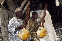 Afrique/Afrique de l'Ouest/Sénégal/Gorée : Joueurs de Cora