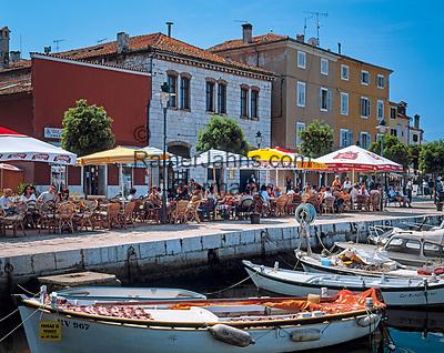 "Kroatien, Istrien, Rovinj: ""Perle Istriens"" Altstadt, Boote und Strassencafes   Croatia, Istria, Rovinj: ""Perl of Istria"" old town, boats and cafes"