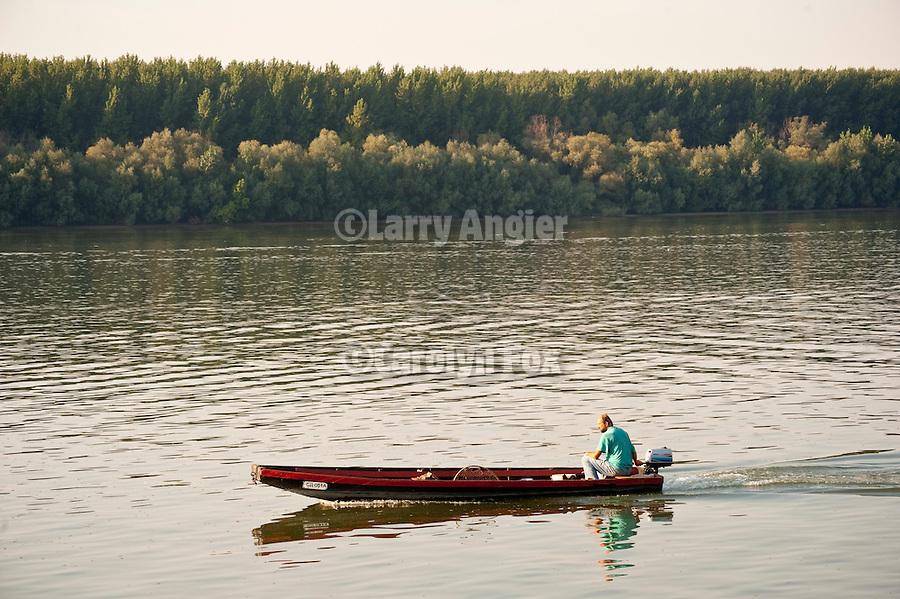 Boats and fishing the Reka Dunav (Danube River), Smedervo, Serbia