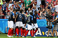 KAZAN - RUSIA, 30-06-2018: Jugadores de Francia celebran después de anotar un gol a Argentina durante partido de octavos de final por la Copa Mundial de la FIFA Rusia 2018 jugado en el estadio Kazan Arena en Kazán, Rusia. / Players of France celebrate after scoring a goal to Argentina during match of the round of 16 for the FIFA World Cup Russia 2018 played at Kazan Arena stadium in Kazan, Russia. Photo: VizzorImage / Julian Medina / Cont