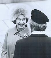1977 FILE PHOTO - ARCHIVES -<br /> <br /> Royal Tours - Queen Elizabeth (1977)<br /> <br /> <br /> Bezant, Graham<br /> Picture, 1977,<br /> <br /> 1977<br /> <br /> PHOTO : Graham Bezant - Toronto Star Archives - AQP