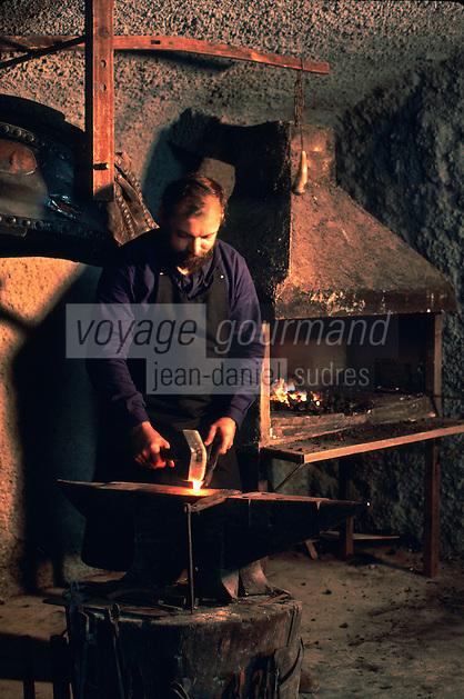 Europe/France/Auverne/63/Puy-de-Dôme/Parc Naturel Régional du Livradois-Forez/Thiers: Le musée des couteliers - Le forgeron  // France, Puy de Dome, Thiers, the Cutlery Museum ,the blacksmith