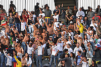 BOGOTA -COLOMBIA. 04-05-2014. Aspecto del encuentro de vuelta entre Independiente Santa Fe y Once Caldas por los cuartos de final de la Liga Postobón I 2014 jugado en el estadio Nemesio Camacho El Campin de la ciudad de Bogotá./ Aspect of second leg match between Independiente Santa Fe and Once Caldas for quarterfinals of the Postobon League I 2014 played at Nemesio Camacho El Campin stadium in Bogotá city. Photo: VizzorImage/ Diana Sánchez / Str