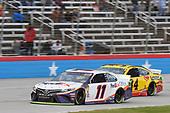 #11: Denny Hamlin, Joe Gibbs Racing, Toyota Camry FedEx Office, #34: Michael McDowell, Front Row Motorsports, Ford Mustang Love's Travel Stops