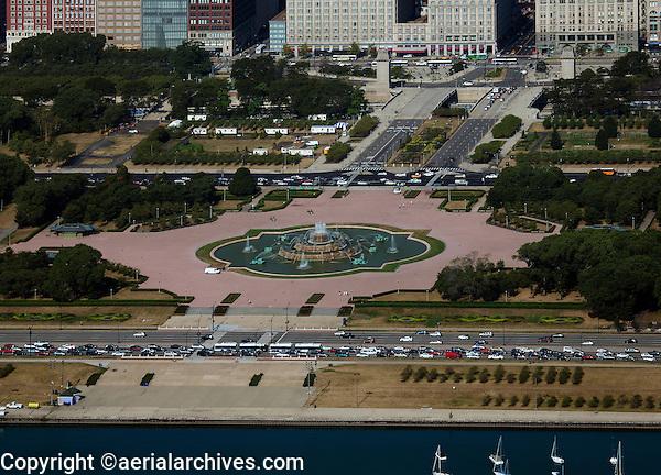 aerial photograph Buckingham Fountain, Grant Park, Chicago, Illinois
