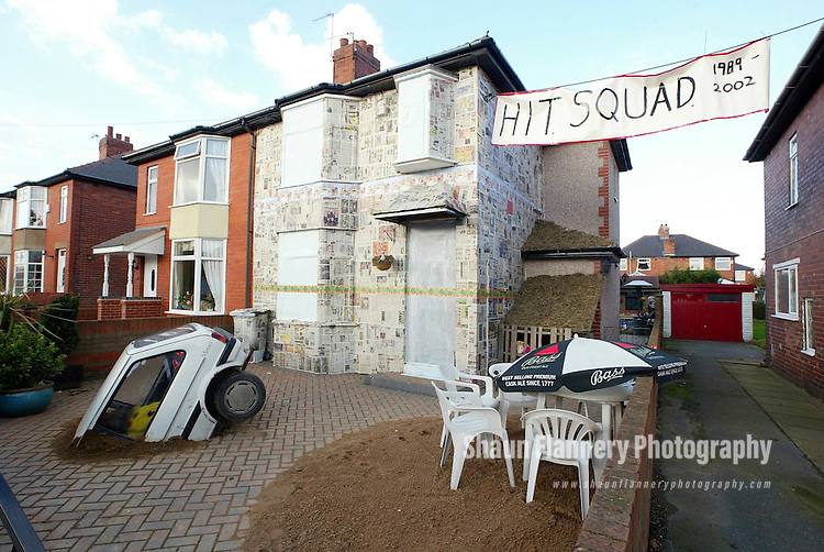 Pix, Shaun Flannery. ..COPYRIGHT PICTURE>>SHAUN FLANNERY>>01302-570814>>..5th Nov 2002.....The infamous Doncaster Hit Squad strike for the 10th time at the home of newly weds Alan & Kerry Boyd at Armthorpe, Doncaster.