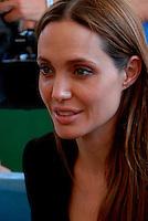 Lampedusa / Italia - 19 giugno 2011.Angelina Jolie, ambasciatore per i diritti umani delle Nazioni Unite, all'interno del centro di prima accoglienza per rifugiati (CSPA di Contrada Briacola)..Foto Livio Senigalliesi