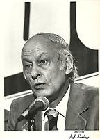 Rene Levesque<br /> durant la campagne referendaire de 1980,date exacte inconnue.<br /> <br /> Le referendum  a  eu lieu le 20 mai 1980 <br /> <br /> <br /> PHOTO :  Agence Quebec Presse