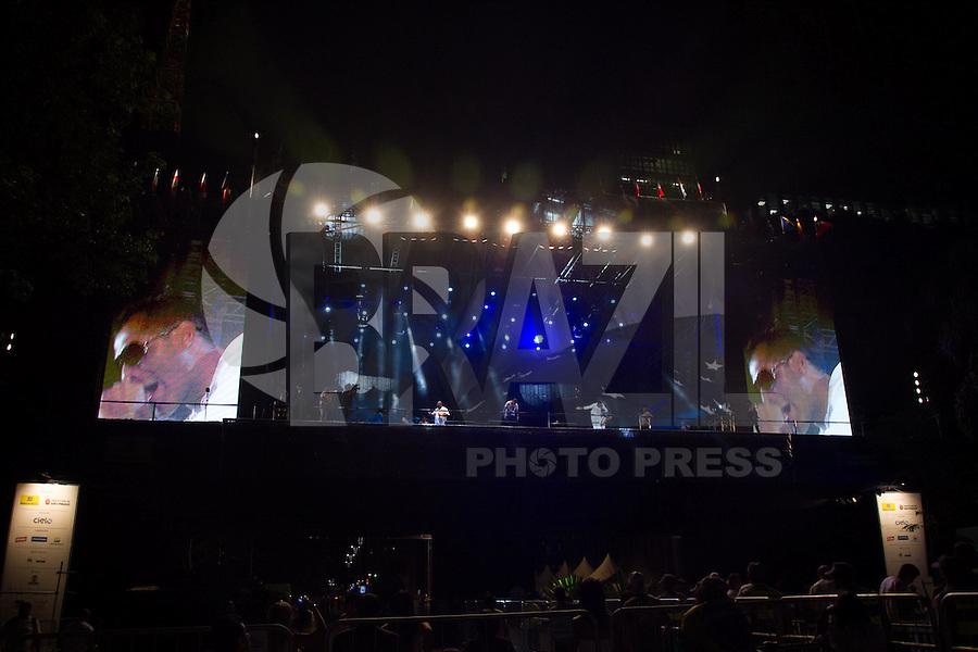 SAO PAULO, SP, 31.12.2013 - REVEILLON NA PAULISTA - Sampa Crew durante 17ª edição do Réveillon na Paulista região central de São Paulo nesta quarta-feira (31). (Foto: Marcelo Brammer / Brazil Photo Press).