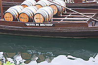 barco rabelo shipping boat vila nova de gaia porto portugal