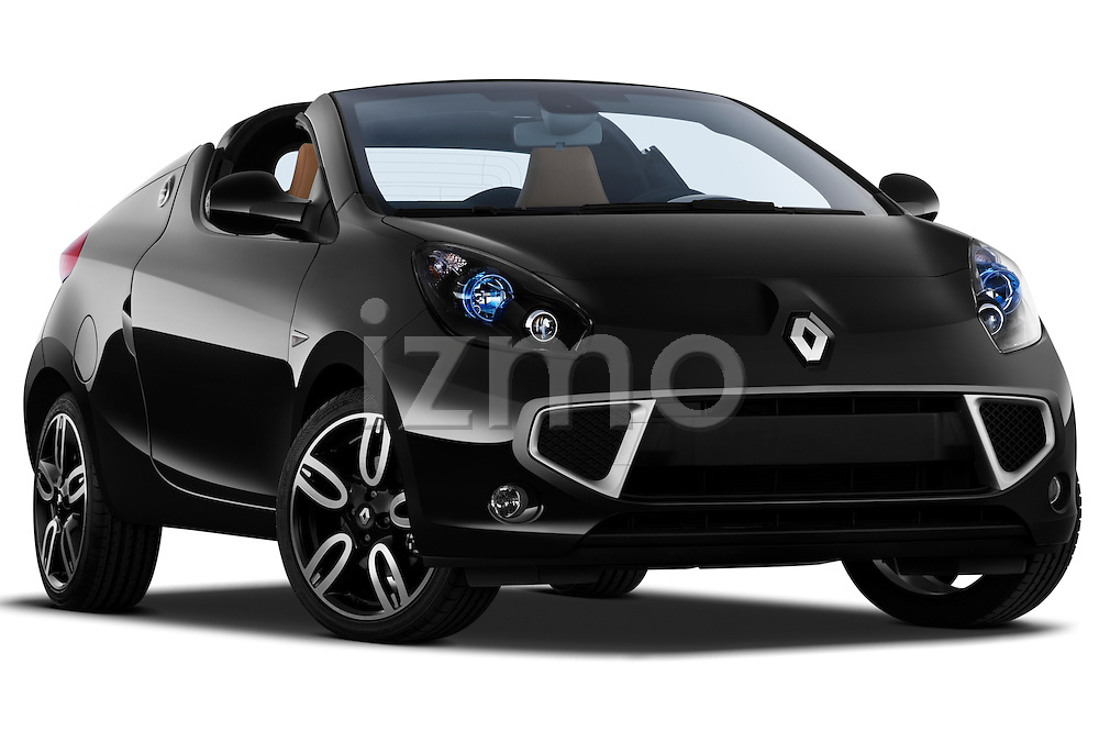 Low aggressive passenger side front three quarter view of a 2010 Renault Wind Convertible.