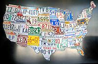 Autokennzeichen der USA : AMERIKA, VEREINIGTE STAATEN VON AMERIKA, (AMERICA, UNITED STATES OF AMERICA), 08.06.2006: alt alte alter altes Amerika amerikanisch amerikanische amerikanischer amerikanisches Aufschrift Aufschriften Autokennzeichen Autoschild Autoschilder Bundesstaat Bundesstaaten bunt bunte bunter buntes close close-up close-ups closeup closeups ein eine einer eines eins einzeln einzelne einzelner einzelnes englisch englische englischer englisches farbig farbige farbiger farbiges Karte Kennzeichen mehrere menschenleer Map Metall Metalle metallen metallene metallener metallenes Nahaufnahme Nahaufnahmen niemand Nordamerika nummeriert nummerierte nummerierter nummeriertes Nummernschild Nummernschilder Schild Schilder Schrift Schriften Schriftzuege Schriftzug Staaten unterschiedlich unterschiedliche unterschiedlicher unterschiedliches up ups US US-amerikanisch US-amerikanische US-amerikanischer US-amerikanisches US-Bundesstaat US-Bundesstaaten USA Vereinigte verschieden verschiedene verschiedener verschiedenes verschiedenfarbig verschiedenfarbige verschiedenfarbiger verschiedenfarbiges von