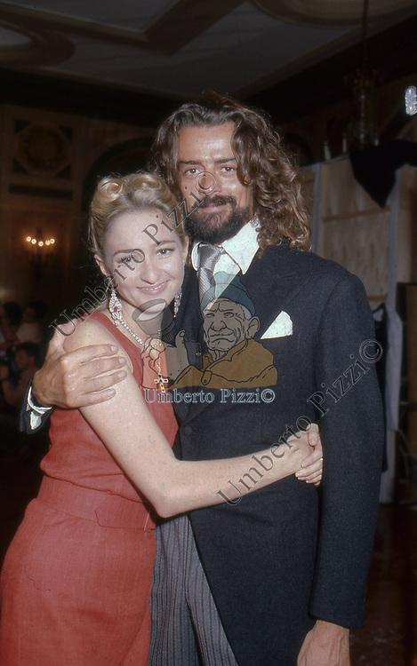 GELASIO GAETANI LOVATELLI DELL'AQUILA D'ARAGONA CON PAOLA MARZOTTO<br /> SFILATA PAOLA MARZOTTO ROMA  1992