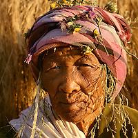San bushwoman, Ghansi, central Kalahari desert 1998