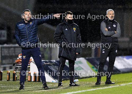 St Mirren v St Johnstone…19.12.20   St Mirren Park      SPFL<br />Saints manager Callum Davidson shouts instructions <br />Picture by Graeme Hart.<br />Copyright Perthshire Picture Agency<br />Tel: 01738 623350  Mobile: 07990 594431