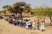 BURKINA FASO Dori, catholic school, children march with the cross / BURKINA FASO Dori, katholische Schule, Kinder gehen den Kreuzweg