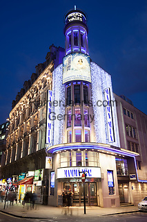 Great Britain, England, London: Nightshot of the Prince of Wales Theatre, Coventry Street, showing the Abba inspired musical Mamma Mia