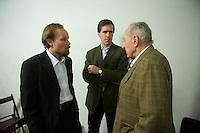 """Der Junge Freiheit-Journalist Billy Six war am Dienstag den 26. Maerz 2013 zu Gast bei der Deutsch Arabischen Gesellschaft (DAG) und erzaehlte von seinen Eindruecken in Syrien.<br />Six wurde im Dezember 2012 in Syrien von Regierungstruppen festgenommen und wurde nach dreimonatiger Haft im Maerz 2013 freigelassen.<br />Im Bild vlnr.: Billy Six; Dieter Stein, Chefredakteur der rechtsgerichteten Zeitung """"Jungen Freiheit""""; Prof. Dr. Peter Scholl-Latour, DAG-Praesident.<br />26.3.2013, Berlin<br />Copyright: Christian-Ditsch.de<br />[Inhaltsveraendernde Manipulation des Fotos nur nach ausdruecklicher Genehmigung des Fotografen. Vereinbarungen ueber Abtretung von Persoenlichkeitsrechten/Model Release der abgebildeten Person/Personen liegen nicht vor. NO MODEL RELEASE! Don't publish without copyright Christian-Ditsch.de, Veroeffentlichung nur mit Fotografennennung, sowie gegen Honorar, MwSt. und Beleg. Konto:, I N G - D i B a, IBAN DE58500105175400192269, BIC INGDDEFFXXX, Kontakt: post@christian-ditsch.de<br />Urhebervermerk wird gemaess Paragraph 13 UHG verlangt.]"""