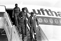 1er vol d'essai de l'Airbus A310, aérodrome Toulouse-Blagnac. 3 avril 1982.<br /> <br /> l'équipage sortant de l'avion et descendant la passerrelle : devant Bernard Ziegler (chef pilote) à droite et Pierre Baud (copilote), derrière Gérard Guyot (ingénieur en vol)