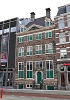 Nederland  Amsterdam   12- 01- 2021.   Het Rembrandthuis. Het Rembrandthuis is een voormalig woonhuis in de Jodenbreestraat, in het centrum van Amsterdam, waarin tegenwoordig het Museum Het Rembrandthuis is gevestigd. Tussen 1639 en 1658 werd het huis bewoond door de Nederlandse kunstschilder Rembrandt van Rijn.   Foto : ANP/ HH / Berlinda van Dam