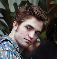 Robert Pattinson 06-15-09 Photo By John Barrett/PHOTOlink