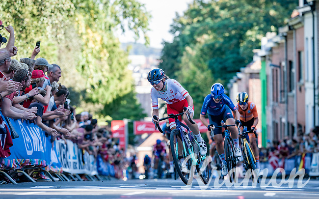 Katarzyna Niewiadoma (POL/Canyon SRAM) attacking up the Wijnpersstraat<br /> <br /> Women Elite - Road Race (WC)<br /> from Antwerp to Leuven (158km)<br /> <br /> UCI Road World Championships - Flanders Belgium 2021<br /> <br /> ©kramon (pic by Sigfrid Eggers)