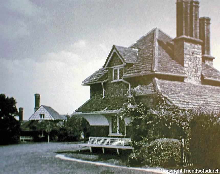 Blaise Hamlet Plan by John Nash, 1810-11. Diamond Cottage with Vine Cottage in distance.
