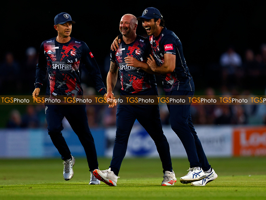 Darren Stevens of Kent is mobbed by Grant Stewart after taking the wicket of James Vince during Kent Spitfires vs Hampshire Hawks, Vitality Blast T20 Cricket at The Spitfire Ground on 9th June 2021