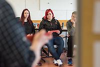 """Die Gewerkschaft Nahrung-Genuss-Gaststaetten (NGG) veranstaltete, in Kooperation mit der DGB-Jugend, am Dienstag den 2. April 2019 am Konrad-Wachsmann-Oberstufenzentrum in Frankfurt/Oder den Projekttag """"Demokratie und Mitbestimmung"""" in den Berufsschulklassen der Ausbildungsberufe Hotelfachmann/-frau, Restaurantfachmann/-frau und Koch/Koechin.<br /> 2.4.2019, Frankfurt an der Oder<br /> Copyright: Christian-Ditsch.de<br /> [Inhaltsveraendernde Manipulation des Fotos nur nach ausdruecklicher Genehmigung des Fotografen. Vereinbarungen ueber Abtretung von Persoenlichkeitsrechten/Model Release der abgebildeten Person/Personen liegen nicht vor. NO MODEL RELEASE! Nur fuer Redaktionelle Zwecke. Don't publish without copyright Christian-Ditsch.de, Veroeffentlichung nur mit Fotografennennung, sowie gegen Honorar, MwSt. und Beleg. Konto: I N G - D i B a, IBAN DE58500105175400192269, BIC INGDDEFFXXX, Kontakt: post@christian-ditsch.de<br /> Bei der Bearbeitung der Dateiinformationen darf die Urheberkennzeichnung in den EXIF- und  IPTC-Daten nicht entfernt werden, diese sind in digitalen Medien nach §95c UrhG rechtlich geschuetzt. Der Urhebervermerk wird gemaess §13 UrhG verlangt.]"""