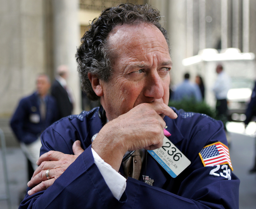 NEW YORK CITY - September 19, 2008: Steven J. Kaplan, of Old Bridge, NJ, a floor official for JNK Securities Corp., outside the New York Stock Exchange. Wall St.  Newsday/Ari Mintz  9/19/2008.