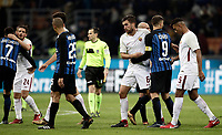 Calcio, Serie A: Inter - Roma, Milano, stadio Giuseppe Meazza (San Siro), 21 gennaio 2018.<br /> Inter's players greet Roma's players at the end of the Italian Serie A football match between Inter Milan and AS Roma at Giuseppe Meazza (San Siro) stadium, January 21, 2018.<br /> Inter Milan and AS Roma drawns 1-1.<br /> UPDATE IMAGES PRESS/Isabella Bonotto